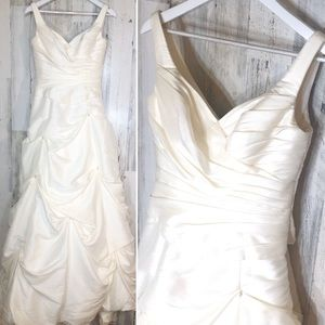 Size 8 NWT Ivory Wedding Dress